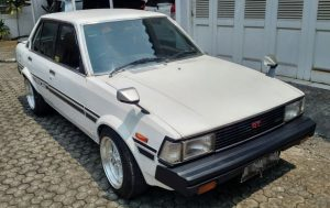harga mobil bekas kurang dari 20 juta - Toyota Corolla DX