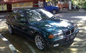 mobil harga 50 jutaan - BMW 320i 1996