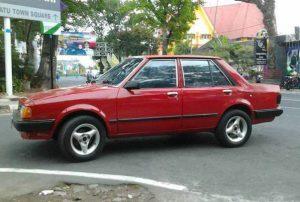 harga mobil bekas dibawah 20 juta - Ford Laser 1983