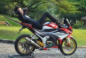modifikasi cbr150r merah