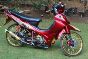 modifikasi jupiter z 2008 warna merah