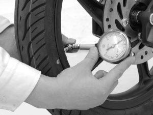Cara Merawat Motor Matic - periksa ban