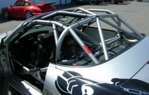 Roll Cage -Modifikasi Mobil Sedan