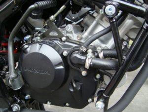 cara membersihkan mesin motor dengan bensin dan solar