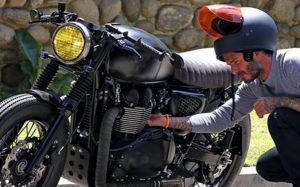 cara membersihkan mesin motor -memanasi motor