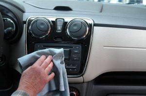 Cara Mencuci Interior Mobil