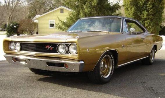 Mobil bermesin besar 1968 Dodge Coronet RT