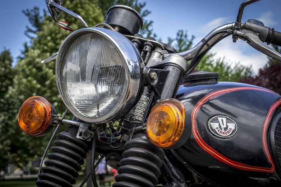 Penyebab Umum Lampu Motor Mati Selain Bohlam Putus