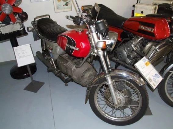 Sepeda motor antik Hercules Wankel 2000