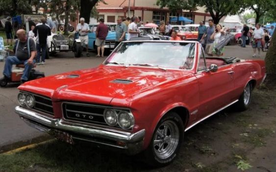 mobil klasik keren 1964 Pontiac GTO