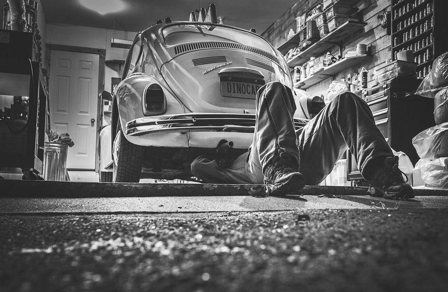Perawatan Mobil Sendiri di Rumah