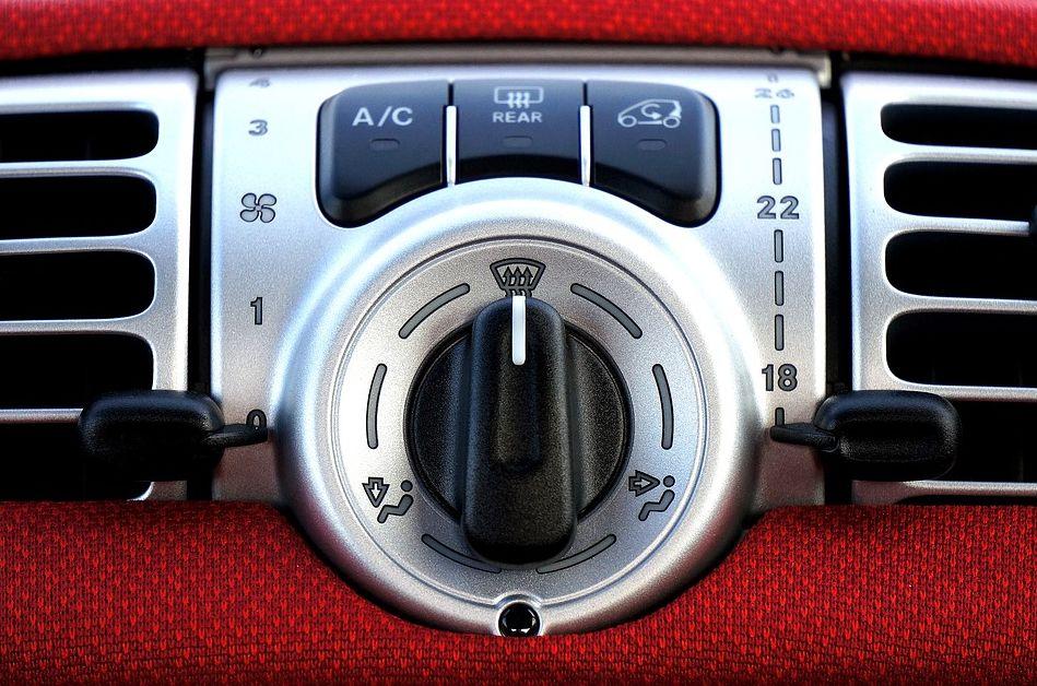 9 Penyebab AC Mobil Tidak Dingin